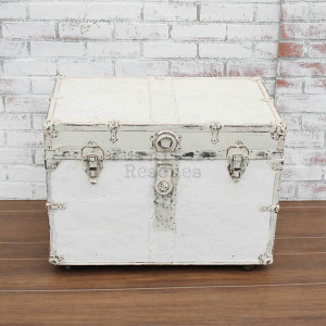 Antique Trunk With Wheels - Front