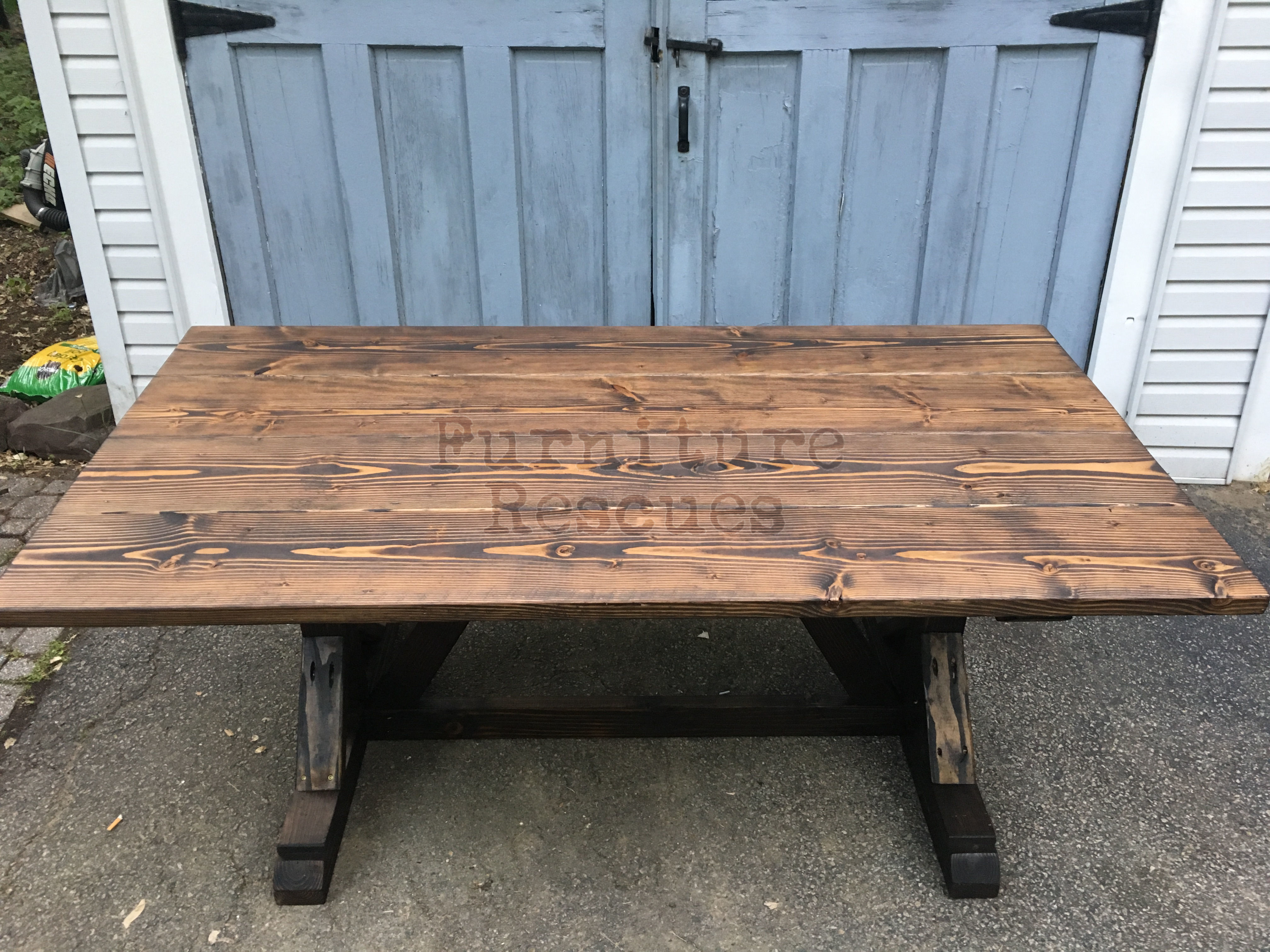 Farm style rustic dining table furniture rescues for Rustic farm table chairs